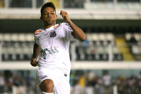André fez os dois gols do Santos na vitória contra o XV