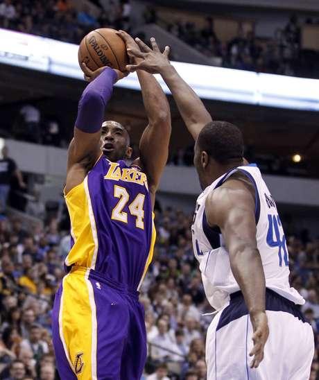 <p>Bryant foi decisivo na vit&oacute;ria dos Lakers</p>