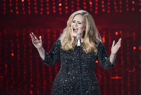 <p>Adele sigue disfrutando de las mieles del éxito luego de conseguir su primer Oscar.</p>