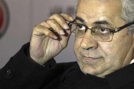 Former presidential candidate and founder of the Egyptian Popular Current movement Hamdeen Sabahy and member of Egypt's opposition coalition attends a news conference in Cairo December 23, 2012.