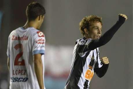 Bernard fez três dos cinco gols do Atlético-MG nesta terça-feira