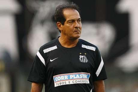 <p>Muricy Ramalho observa possíveis reforços em equipes do interior, que estão disputando o Campeonato Paulista</p>