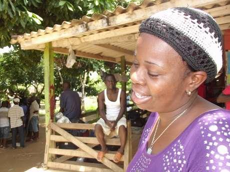 <p>Nadine Bertulia deixou dois filhos pequenos em Porto Príncipe em busca de emprego no Brasil</p>