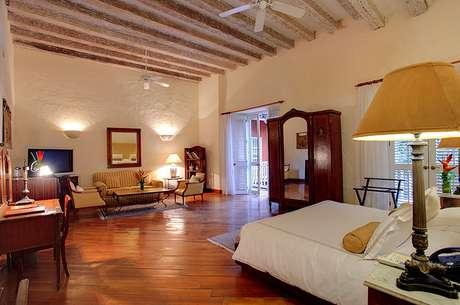 <p><strong>Hotel Casa Pestagua, Cartagena, Colômbia</strong><br />Erguido com uma bela arquitetura espanhola colonial com influências mouriscas, o Hotel Casa Pestagua tem uma decoração que vai de móveis antigos até peças art-déco situadas ao redor do pátio central.Diárias a partir de R$ 830</p>