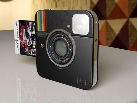 Pelo conceito, câmera fotografa, edita e imprime as imagens instantaneamente