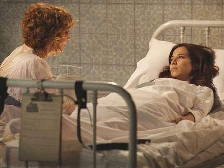 <p>Ao invés de ser levada para um hospital convencional, a jovem desperta em um sanatório. Tudo a mando da mãe, que é capaz de tudo para não ir parar atrás das grades</p>