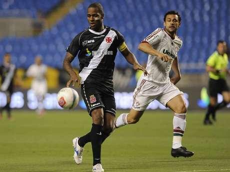 <p>Dedé não deu espaço para Fred no ataque do Flu, mas ainda assim o time carioca chegou a marcar duas vezes</p>