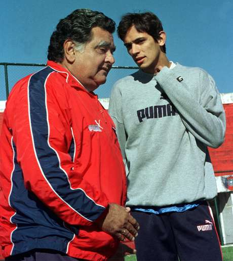 <p>Cubilla (à esquerda) foi atacante da seleção uruguaia e treinador em vários clubes da América Latina</p>