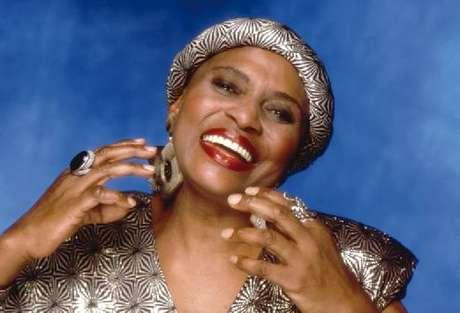 Miriam Makeba, cantora sul-africana, é relembrada pelo Google no dia em que faria 81 anos