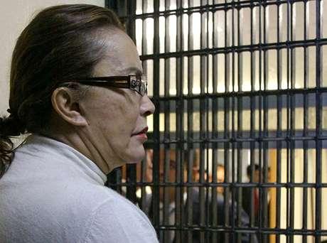 <p>Con su reciente detención, Elba Esther Gordillo se unió a la lista de políticos mexicanos que tras sacarles sus trapitos al sol fueron a dar a la cárcel. Muchos de ellos completaron sus sentencias, otros las siguen cumpliendo otros tantos se salieron con la suya y no fueron condenados:</p>