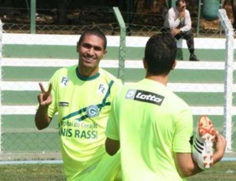 <p>Meia, Ramón já atuou quase como centroavante no Goiás</p>