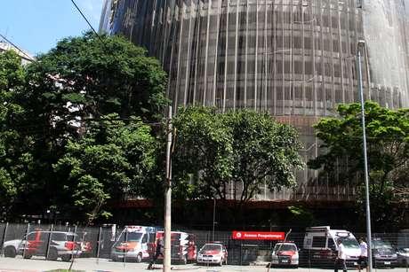 <p>A ossada foi encontrada no estacionamento da Polícia Civil, na praça Alfredo Issa, no centro de São Paulo</p>
