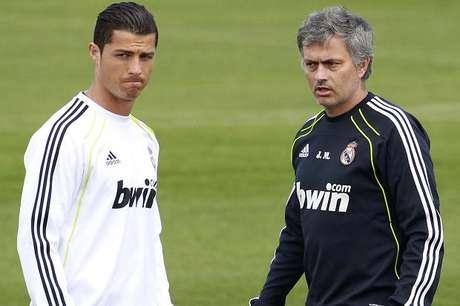 Cristiano Ronaldo y Mourinho, durante un entrenamiento