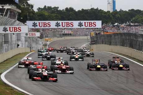 O Autódromo José Carlos Pace é o principal palco do automobilismo brasileiro. Inaugurado em 1940, desde 1972 recebe o Grande Prêmio Brasil de Fórmula 1. Além de ver as competições, é possível visitar e até mesmo andar de carro pelo circuito