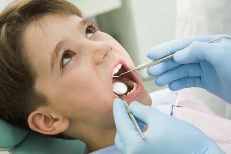 <p>Asegúrese de visitar a su profesional de la salud dental para citas dentales regulares.</p>