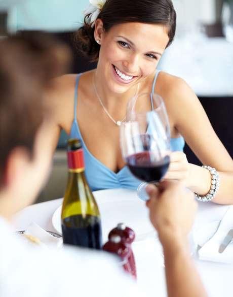 Vinho é rico em substâncias que beneficiam as funções do organismo