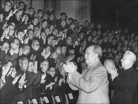 <p>Mao Zedong fue embalsamado en 1976. Pasó a la historia por ser líder del Partido Comunista de China y encabezar la revolución cultural de su país.</p>