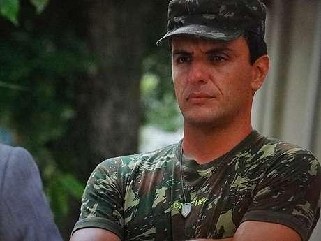 <p>Théo (Rodrigo Lombardi) vai acabar traindo a mulher</p>