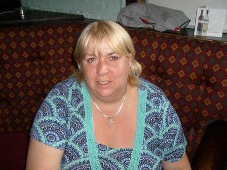 <p>Antes da cirurgia, a dona de pub pesava 127 kg</p>