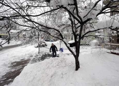 Entre 300 y 500 milímetros de nieve cayeron alrededor de la zona de Boston.
