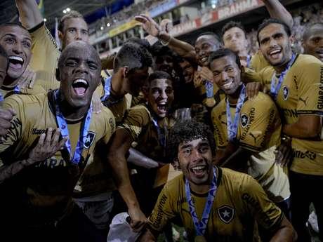 <p>O Botafogo conquistou neste domingo o título da Taça Guanabara ao vencer o Vasco por 1 a 0, no Engenhão</p>