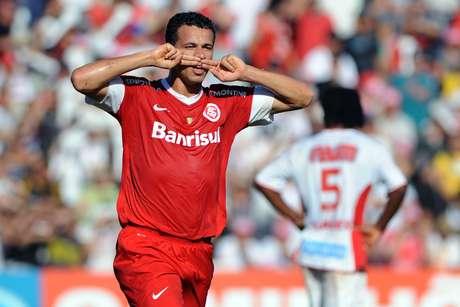 <p>Leandro Damião marcou duas vezes e foi o destaque da vitória do Inter</p>
