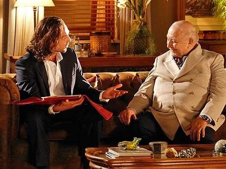 <p>Alberto (Igior Rickli) decide permanecer na Vila dos Ventos para conquistar Ester (Grazi Massafera)</p>