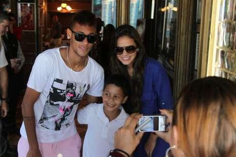 <p>Bruna Marquezine e Neymar assumiram namoro no começo de 2013; atacante é visto como celebridade</p>