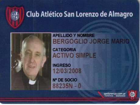<p>Francisco é torcedor de carteirinha do San Lorenzoe chegou a rezar missa no clube</p>