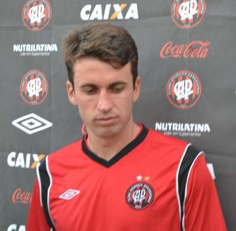 <p>Elias fez o único gol do Atlético-PR em jogo-treino</p>