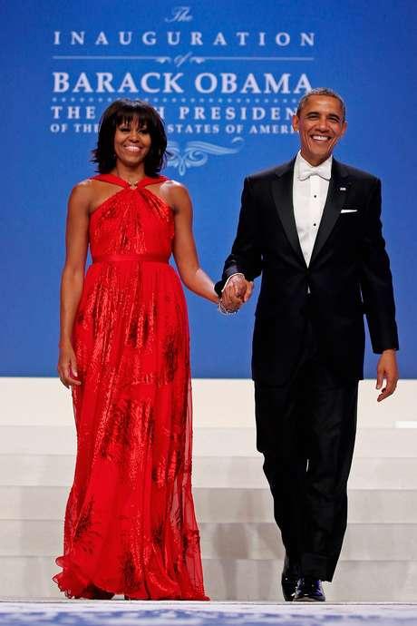 Michelle Obama se ha convertido en la compañera perfecta de su marido, el presidente estadounidense Barack Obama, gracias a una imagen cuidada y progresista, que le ha valido comparaciones con otra de sus antecesoras más recordadas, Jackie Kennedy