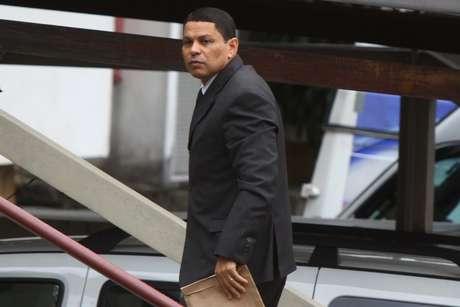 <p>Mizael Bispo, acusado de matar Mércia Nakashima, chega para o quarto dia de seu julgamento no Fórum de Guarulhos</p>