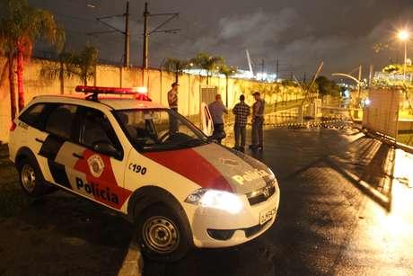 Policial militar à paisana matou um suspeito de roubo na saída do estacionamento de um shopping de São Paulo