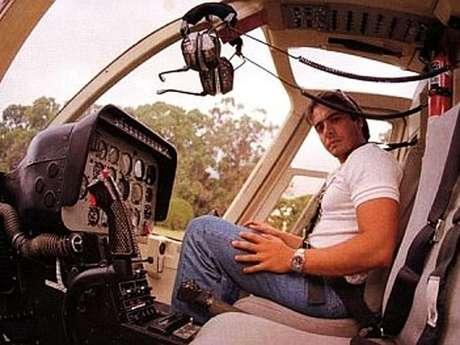 Carlitos Menem en un helicóptero, una de sus pasiones