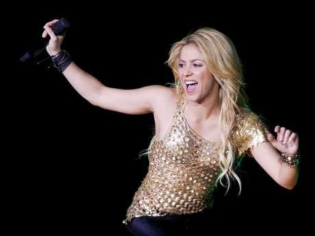 <p>Shakira quedó mal parada en Suiza por llegar tarde a su concierto. La colombiana se atrevió a salir al escenario hora y media después de lo anunciado.</p>