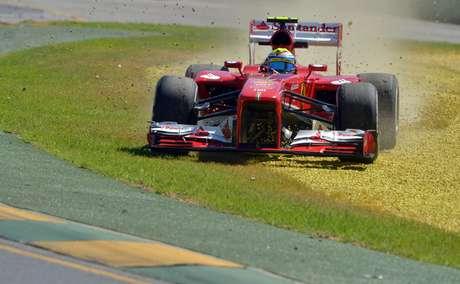 <p>El primer día de los ensayos libres para el GP da Australia comenzó con algunos despistes, como el del brasileño Felipe Massa. Repase esa y otras imágenes de la apertura de la temporada 2013 del Mundial de Fórmula 1.</p>