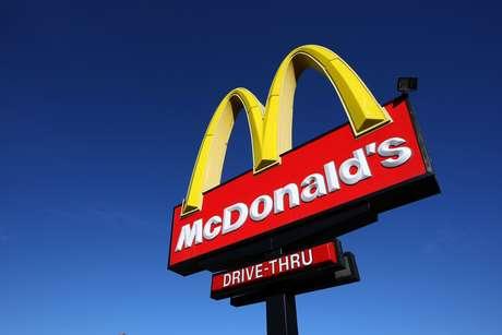 Según la demanda, Spencer y sus hijos estaban en un McDonald's de Chicago el 4 de febrero del 2012 cuando Jacquel recogió el condón usado del piso, y poco después tosió un pedazo de este.