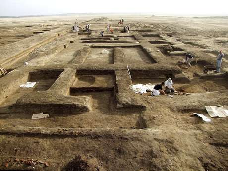 Vestígios de enormes construções foram encontrados no Sinai pelos egípcios
