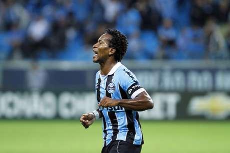 <p>Zé Roberto declarou mais uma vez a intenção de jogar novamente pela Seleção Brasileira</p>