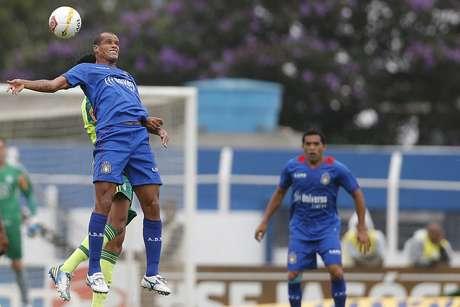 <p>Rivaldo jogou Campeonato Paulista pelo rebaixado São Caetano</p>