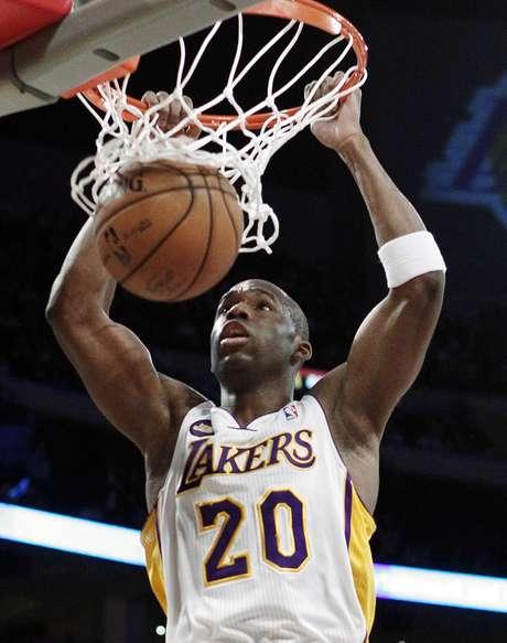 Los Angeles Lakers venceu Sacramento Kings e manteve recuperação