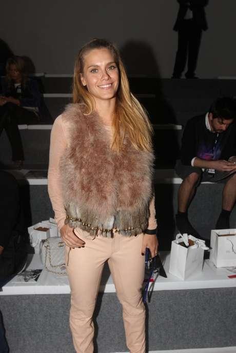 <p>Carolina Dieckmann chegou ao SPFW para o desfile da Animale</p>