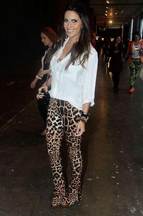 A calça de oncinha foi a escolha da blogueira Marcela Borges para atrair os olhares na bienal