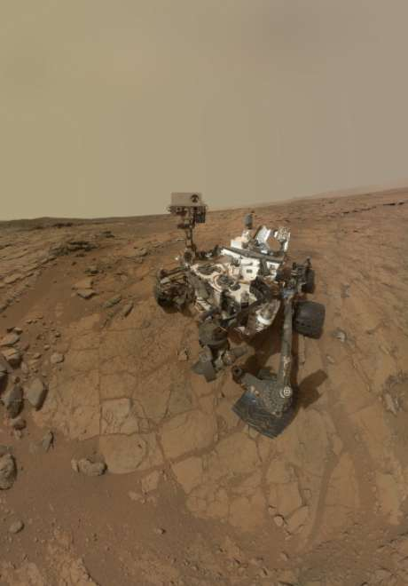 <p>Porun problema informático, la sonda rodante Curiosity, que analiza y toma muestras de la superficie del planeta Marte,quedó nuevamente varada el pasado mes de marzo, retrasando en esa ocasiónel inicio de sus experimentos científicos en suelo del planeta rojo.</p>