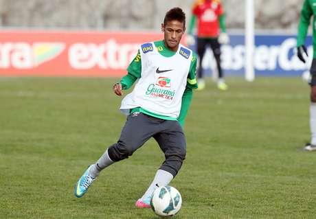 <p>Neymar tem mais minutos jogados pela Seleção do que a soma de seus companheiros de ataque</p>