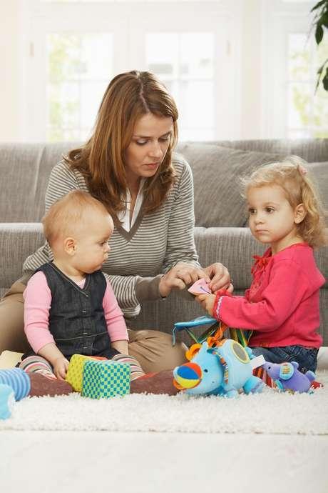 Após os 35 anos, a mulher se encontra numa fase mais madura de vida, o que pode colaborar para a criação do filho