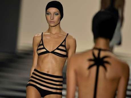 A estilista Adriana Degreas também abusou das transparências