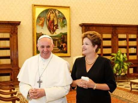 <p>Presidente Dilma em reunião com o Papa Francisco, no Vaticano</p>