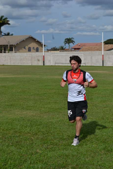 Estreia de João Paulo anima o técnico do Atlético-GO