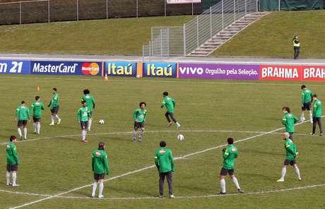<p>Treino da Seleção nesta quarta-feira teve Kaká entre os reservas</p>